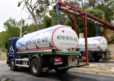 Transporte de agua en camiones